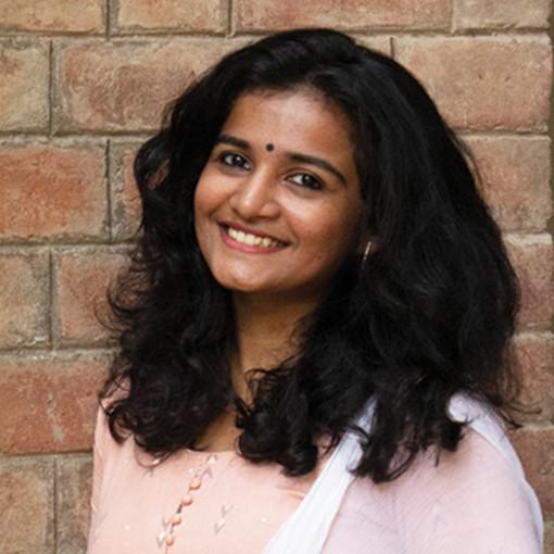 Lakshmi  R